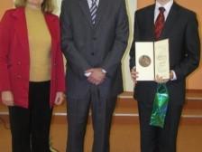 Peter Kosec a RNDr. Zdenka Baxová, ktorá ho pripravuje na súťaže u ministra školstva SR