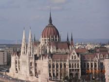parlament z vonku