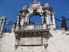 na balkóne hradu