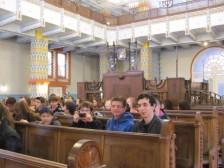 v synagóge